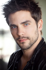 Brant Daugherty photo