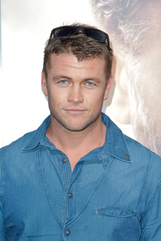 Luke Hemsworth photo