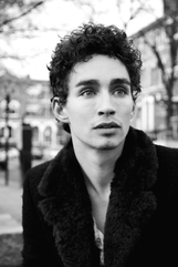 Robert Sheehan photo