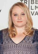Danielle Macdonald photo