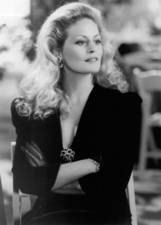 Beverly D'Angelo photo