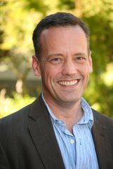 Dee Bradley Baker photo