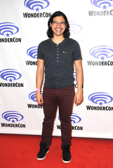 Carlos Valdes photo