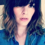 Kelly Oxford photo
