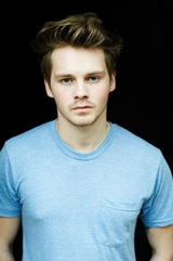 Sam Strike photo
