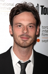 Scoot McNairy photo