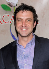 Raúl Esparza photo
