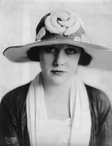 Edna Purviance photo