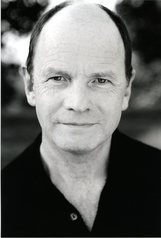 Actor Simon Chandler