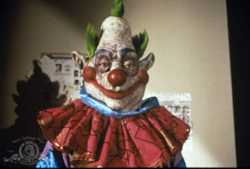 watch killer klowns from outer space download movie killer klowns from outer space watch