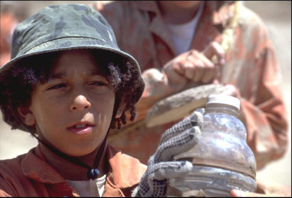 Watch Holes 2003 full movie online or download fast